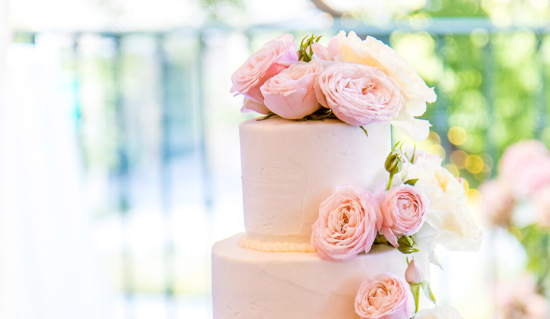 6 Reasons Why Home Bakeries Should NOT Bake Wedding Cakes
